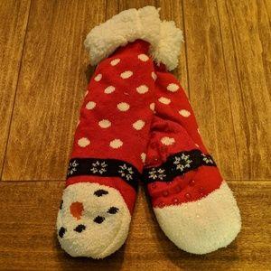 Accessories - FREE w Bundle!! Fuzzy warm snowman socks!